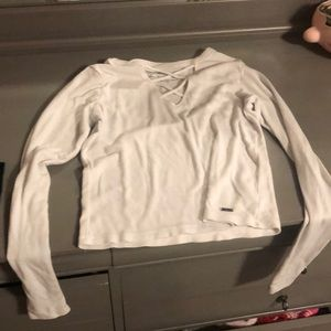 White long sleeve cropped hollister top